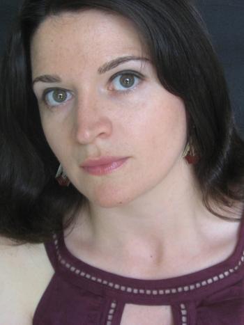 http://whytherearewords.files.wordpress.com/2010/05/elizabeth-eslami1.jpg